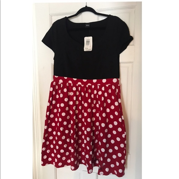 Plus size Disney Minnie Mouse dress. NWT
